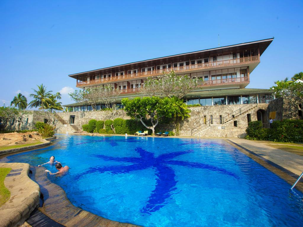 hotel-bentota-beach-by-cinnamon-sri-lanka